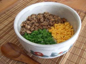 サバ缶で作る三色丼
